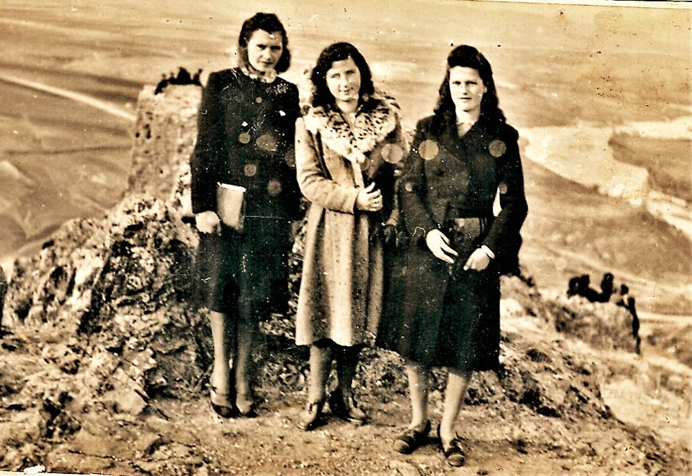 Штипските моми на Исаро во 1928 год
