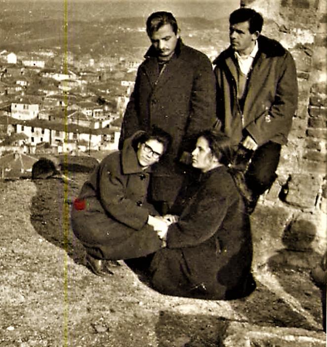 Ванѓел Христовски со другарите на Исаро